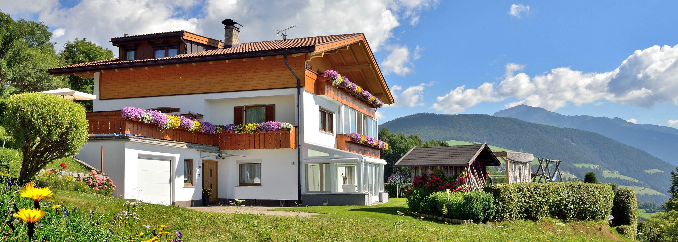 pano-ferienwohnung-wanderurlaub-meransen-appartamento-vacanze-escursionistiche-maranza